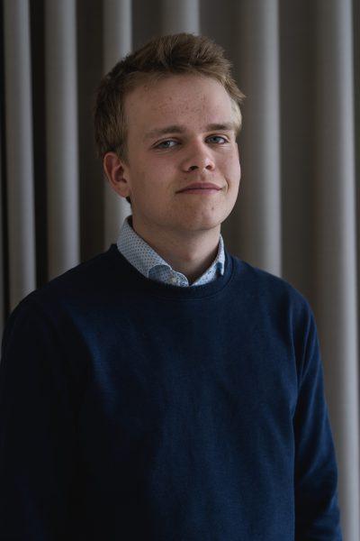 OLOF WÄRMLÄNDER - Olof gjorde sin värnplikt på Livgardet som beriden högvakt. Han gillar korv med bröd.